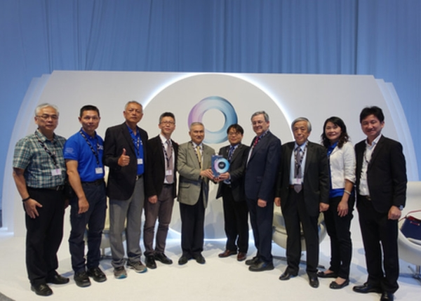 Prof. Kang Li Leads the Team iAuto to Win the 2nd Place in 2018-2019 Dubai World Challenge for Self-Driving Transport